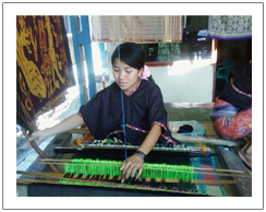 Lombok weaving village, Sasak tribe tour